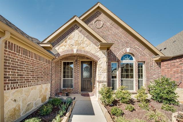 1374 Osborne Ct, Roanoke, TX 76262