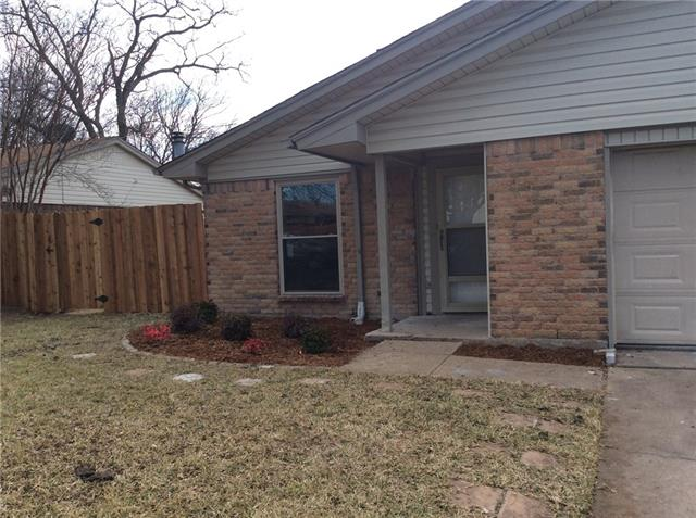 Photo of 608 Circleview Drive  Mansfield  TX