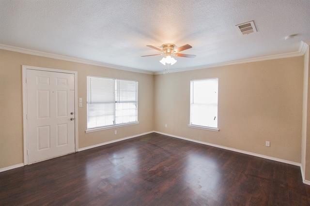 203 S 4th St, Crandall, TX 75114