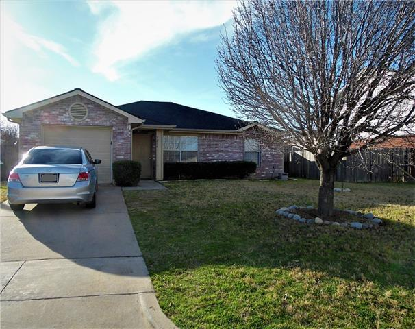 Photo of 7216 Autumn Glen Drive  Forest Hill  TX