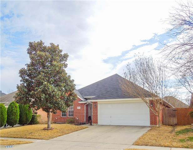 Photo of 8800 San Joaquin Trail  Fort Worth  TX