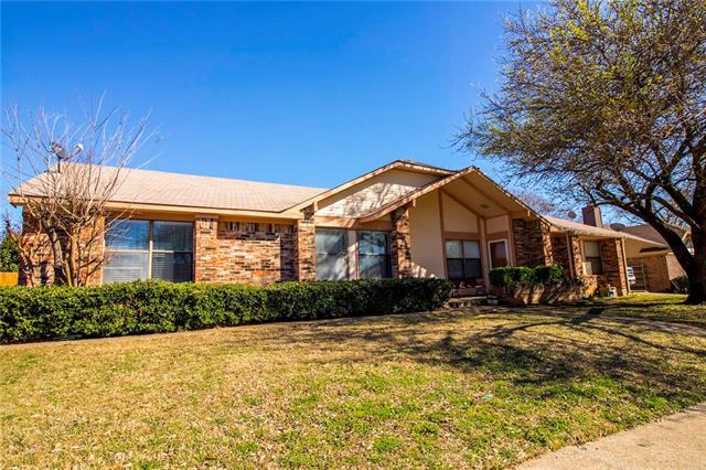 Photo of 2914 Hilltop Drive  Euless  TX