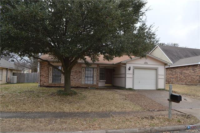 Photo of 4304 Pepperbush Drive  Fort Worth  TX