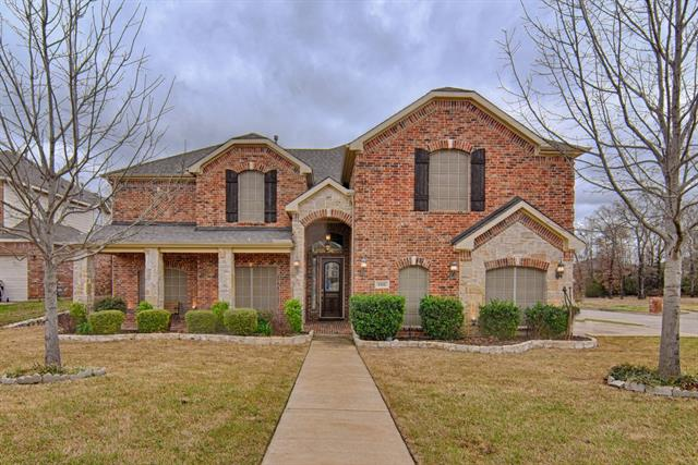 Photo of 806 Warwick Court  Kennedale  TX