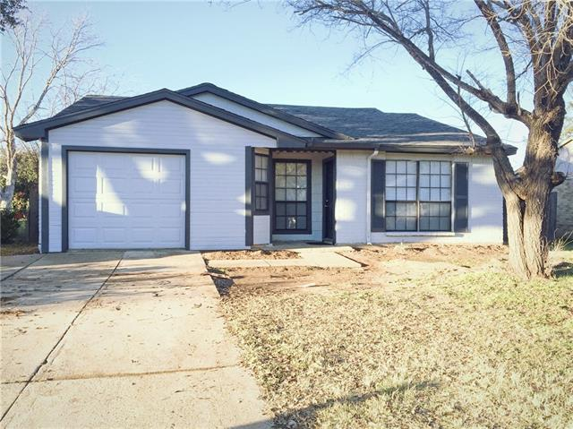 Photo of 7013 Fallbrook Court E  Fort Worth  TX