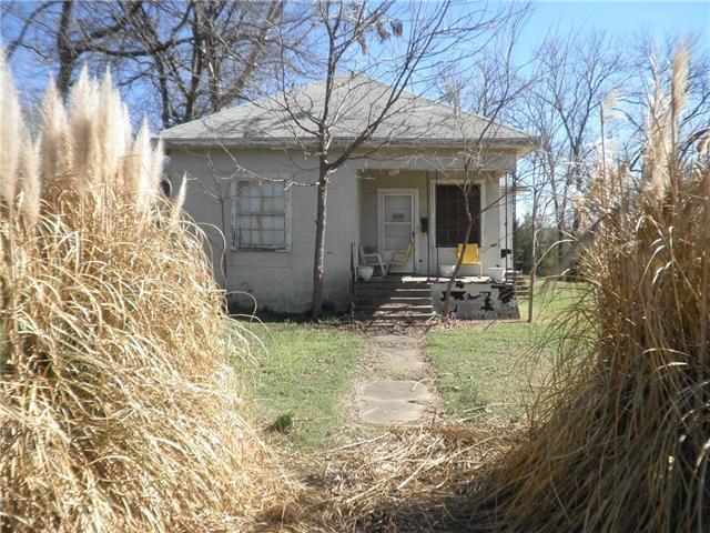 Photo of 207 N Woods Street  Sherman  TX