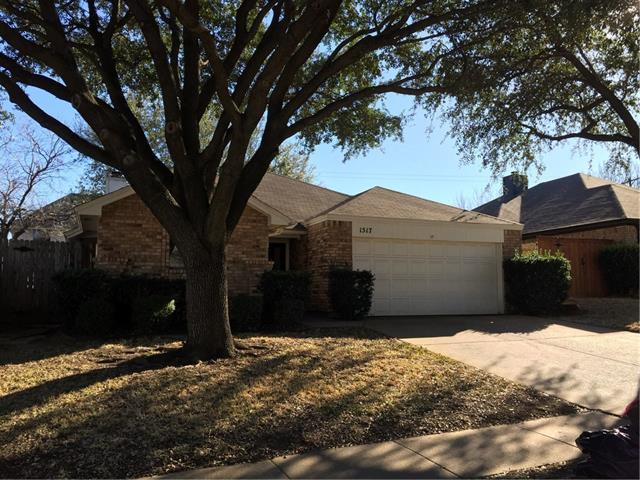 Single Story property for sale at 1517 Briarcrest Drive, Grapevine Texas 76051