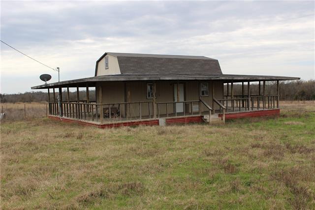 Photo of 1301 County Road 26720  Honey Grove  TX