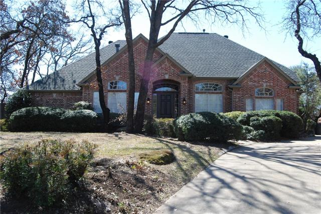 7404 Woodhaven Dr, North Richland Hills, TX 76182