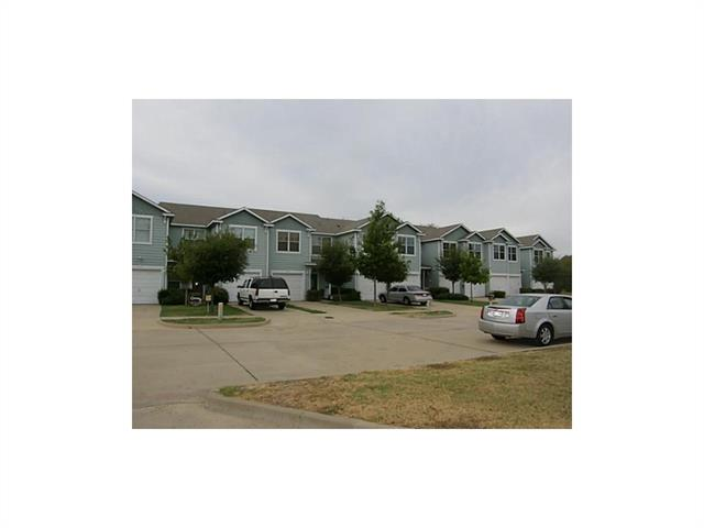 Photo of 105 Heritage Court  Seagoville  TX