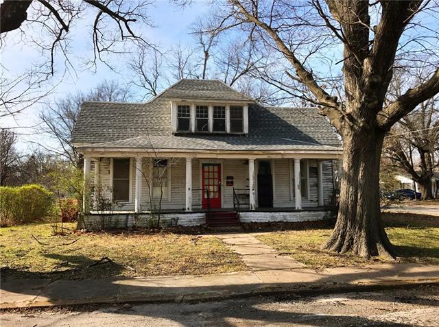 Photo of 721 Maple Street  Bonham  TX