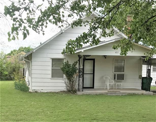 Photo of 407 N BROAD Street  Saint Jo  TX