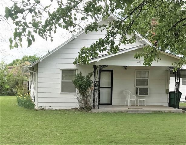 Photo of 407 N BROAD Street  Saint Jo  TX