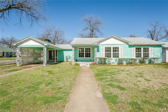 Photo of 212 Moon Street  Cleburne  TX