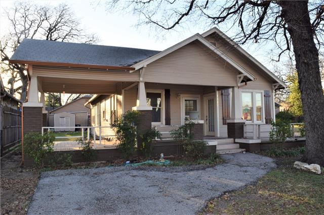 Photo of 1521 N Sylvania Avenue  Fort Worth  TX