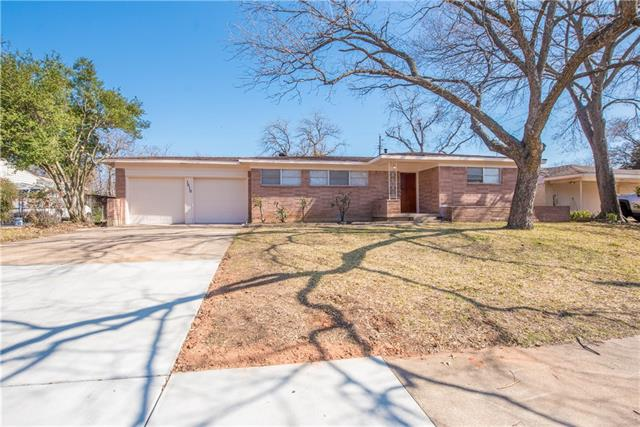 Photo of 1510 Ronne Drive  Irving  TX
