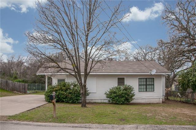 Photo of 309 N Dubellette Street  Weatherford  TX