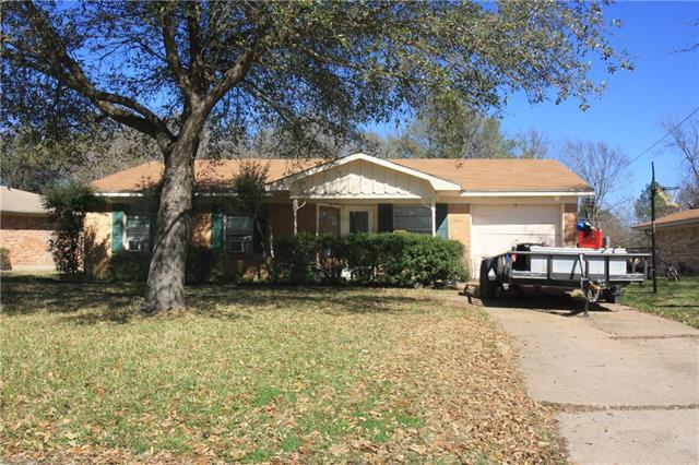 Photo of 1205 Crestview Drive  Kaufman  TX