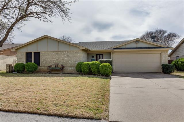Photo of 1808 Briar Meadow Drive  Arlington  TX