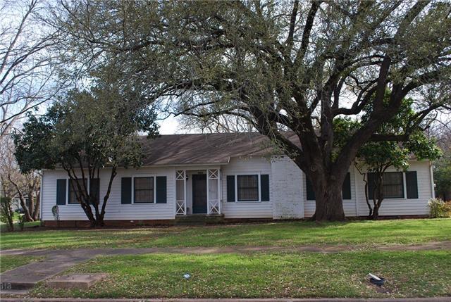 Photo of 318 Corsicana Street  Hillsboro  TX