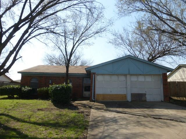 Photo of 112 Lorie Street  Alvarado  TX