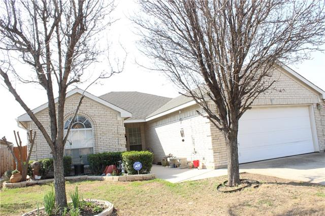Photo of 4816 Bridle Path Way  Fort Worth  TX
