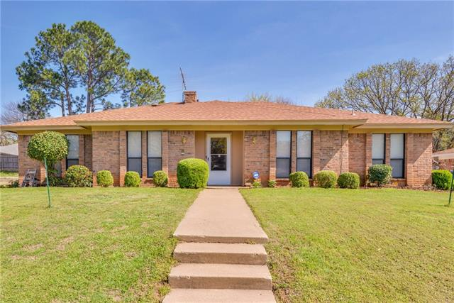 Photo of 2800 Bedfordshire  Bedford  TX