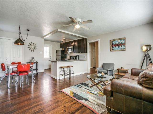 Photo of 3843 Lively Lane  Dallas  TX