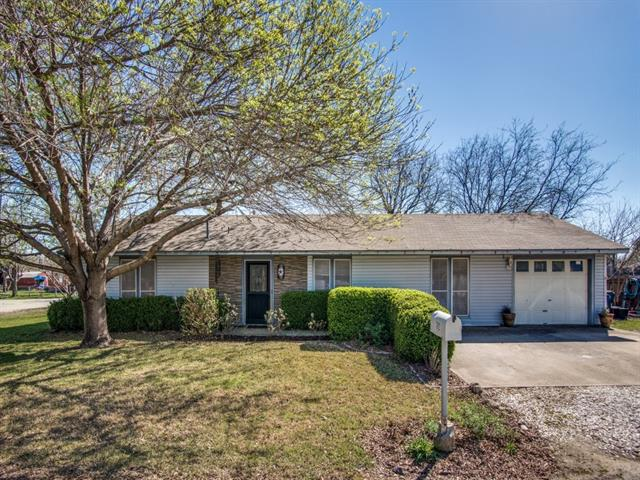 Photo of 702 Wood Street  Sanger  TX