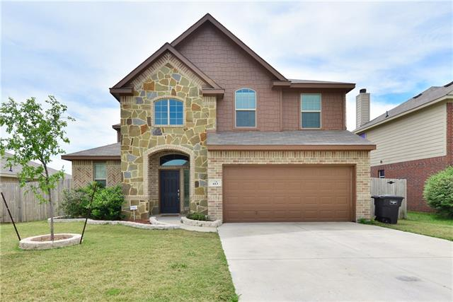 Photo of 413 Roundrock Lane  Fort Worth  TX