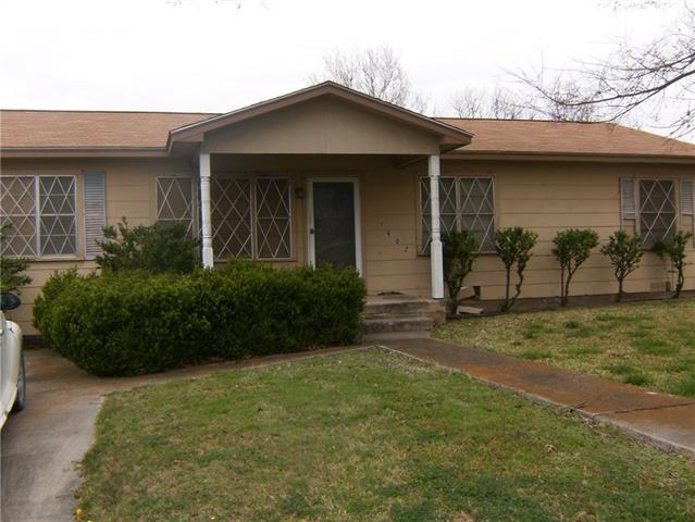 Photo of 1407 Harwood Street  Bridgeport  TX