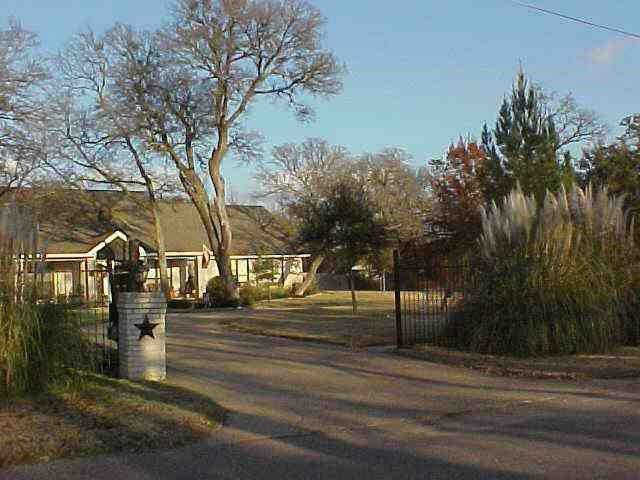Photo of 100 Spring Oak Street  Lacy Lakeview  TX