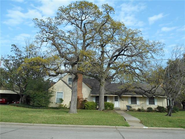Photo of 704 Ryan Street  Irving  TX