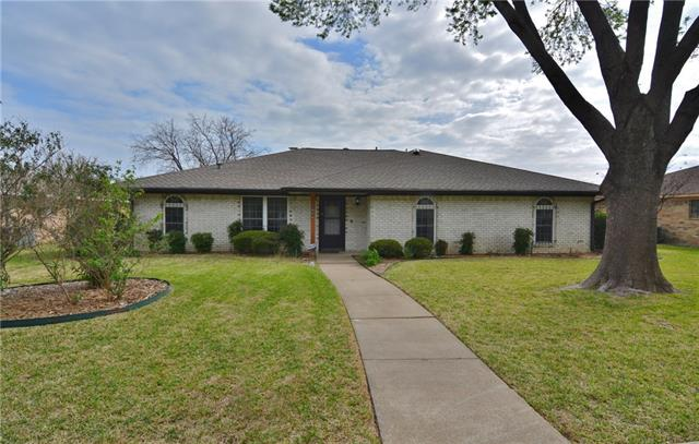 Photo of 2142 Wellington Drive  Grand Prairie  TX