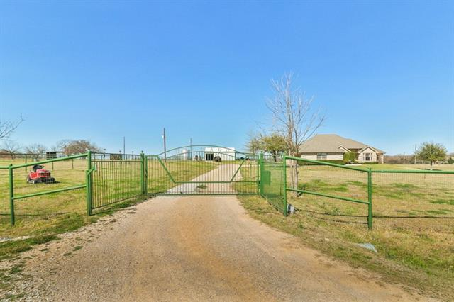 Photo of 104 Longhorn Court  Paradise  TX