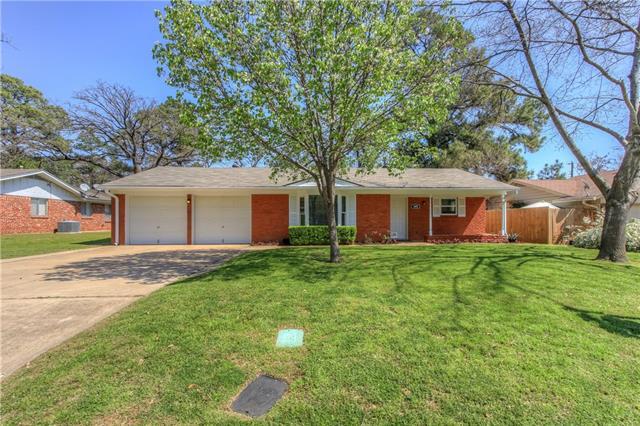 Photo of 1805 Brookview Drive  Arlington  TX