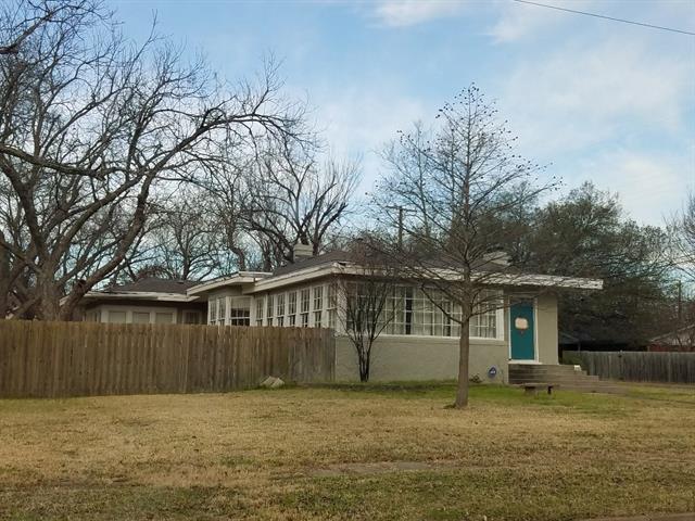 Photo of 502 S Walnut Street  Cleburne  TX