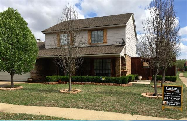 Photo of 7529 Ashwood Circle  Fort Worth  TX
