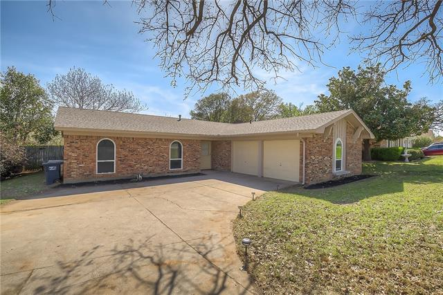 Photo of 7424 Laurie Drive  Fort Worth  TX