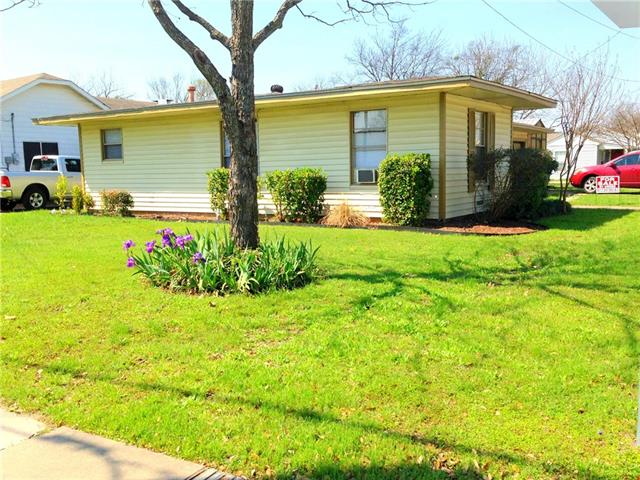 Photo of 101 Sycamore Street  Waxahachie  TX