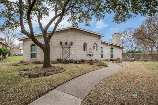 Photo of 3013 Glenhollow Circle  Carrollton  TX