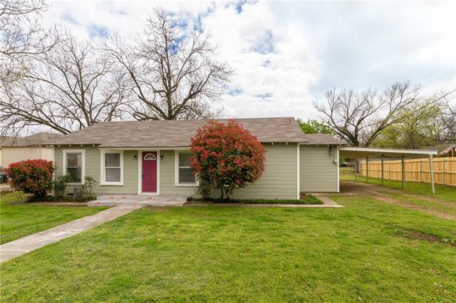 Photo of 301 W Dabney Street  Cleburne  TX