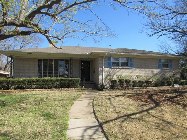 Photo of 1501 Ridgeway Drive  Sherman  TX