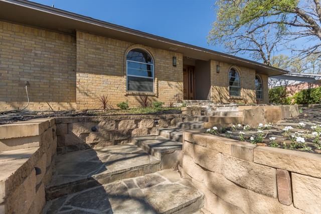 Photo of 1806 Ridgeside Drive  Arlington  TX
