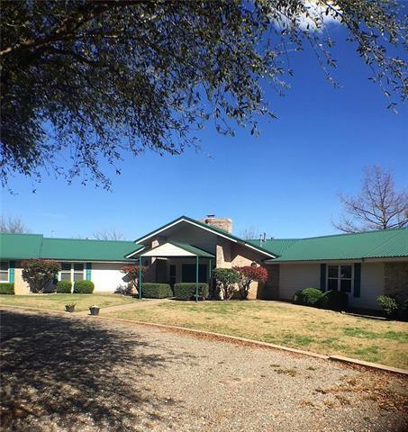 309 N 2nd St, Cranfills Gap, TX 76637