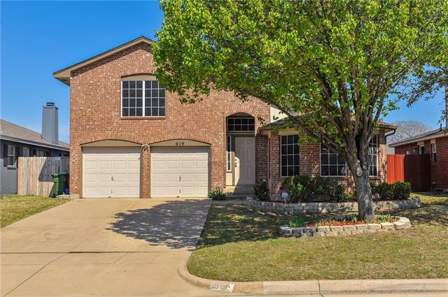 619 Hollyberry Dr, Mansfield, TX 76063