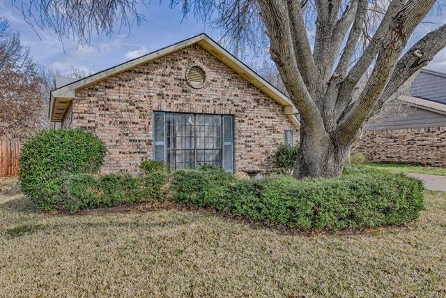Photo of 6903 Greenspring Drive  Arlington  TX