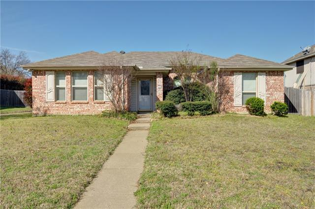 Photo of 609 Reeves Lane  Kennedale  TX