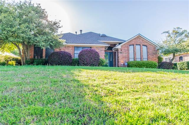 Photo of 2808 Scarborough Court  Grapevine  TX