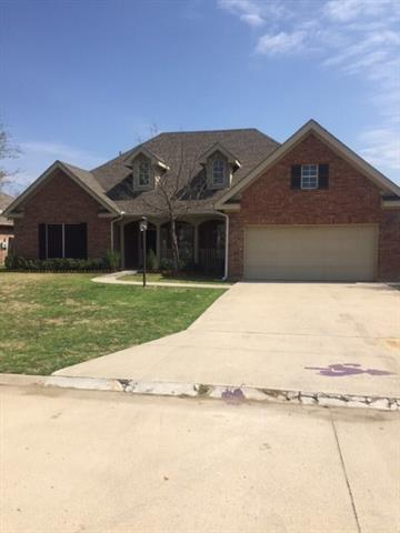 Photo of 802 N Tejas Drive  Sanger  TX